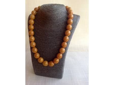PRESSED ORANGE AMBER BEADED NECKLACE