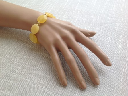 Stretchy Bracelet With Butterscotch Amber Plates