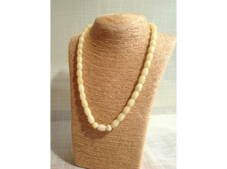 WHITE PRESSED AMBER NECKLACE WITH BARREL BEADS