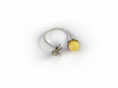 ADJUSTABLE SILVER RING WITH AMBER BEAD AND FLOWER