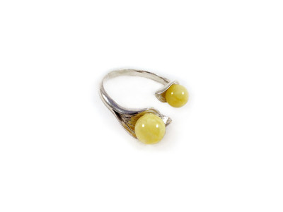 Adjustable Size Ring With Two Amber Beads