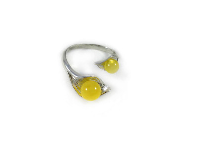 Adjustable Size Ring With Yellow Amber Beads