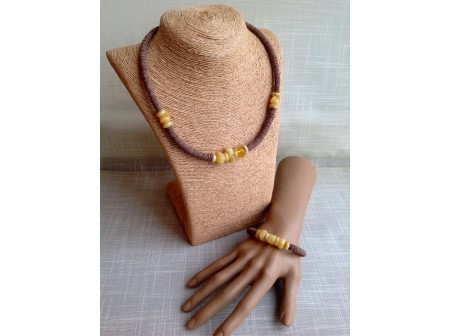 MODERN LEATHER & AMBER JEWELLERY SET