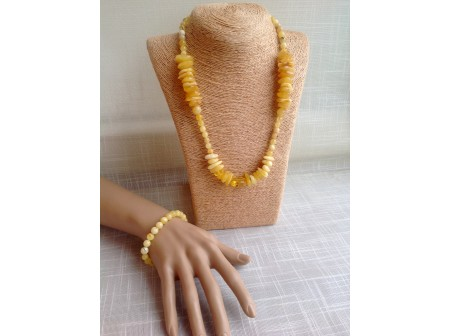 AMBER ASSORTED JEWELLERY SET